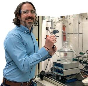 Dan Ruddy works in a lab