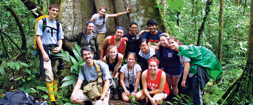 Lafayette's Alternative School Break team in Arútam, Ecuador
