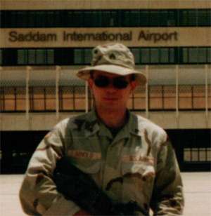 Arnold '01 Is Intelligence Analyst for U.S. Army